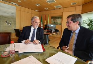 El Defensor del Pueblo, con el presidente de la Diputación.