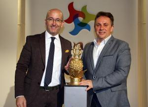 El alcalde de Torvizcón y el diputado de Turismo