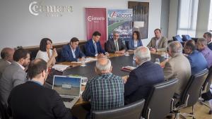 Reunión de la Comisión de Infraestructuras con empresarios y regantes de la Costa.