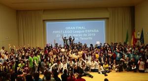 Foto de familia de participantes en la fase provincial del concurso.