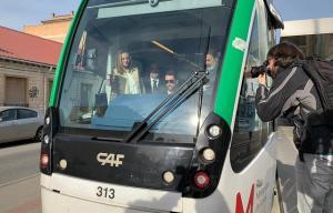 La consejera Marifrán Carazo, en un vehículo del metro.
