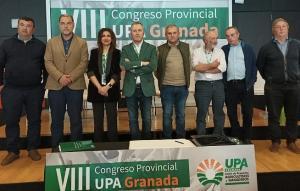 Nicolás Chica, en el centro, con chaqueta verde.