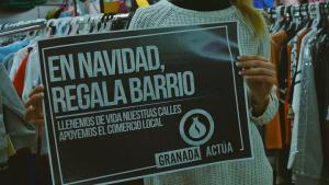 Cartel con el lema de la campaña.