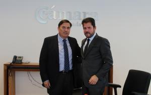 Ángel Gijón y Gerardo Cuerva, tras la firma del convenio.