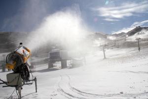 Cañones activados en la estación de esquí.