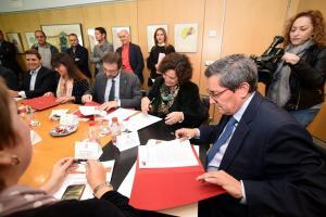Firma del protocolo en la Diputación de Granada.