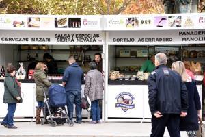 Expositores de productos de la provincia bajo la marca 'Sabor Granada'.