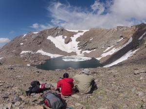 Laguna de la caldera, cerca de la base del Mulhacén.