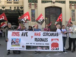 Concentración celebrada este lunes en Valencia.