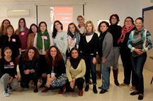 Grupo de mujeres que ha realizado el taller de emprendimiento.
