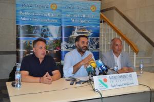 El consejero, junto al diputado de Turismo y el presidente de la Mancomunidad.