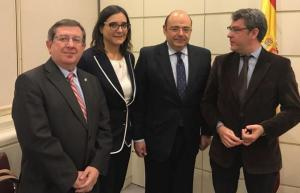Senadores de Granada del PP, con el ministro Nadal.