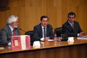Entrena ha presidido el acto de presentación de la publicación.
