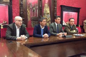 Luis Salvador con los concejales de Ciudadanos y Antonio Suárez.