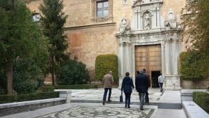 La concentración está convocada a las puertas del Rectorado.