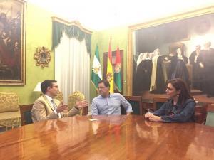 Imagen de la reunión para impulsar el turismo de Granada.