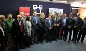 Empresarios y políticos en la reunión por la línea marítima Motril-Melilla.