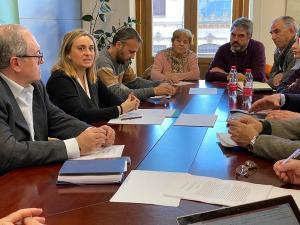 Carazo, este martes, en la reunión con la Plataforma del Tren Rural.