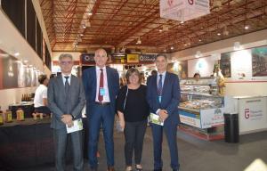 Representantes de cadenas de distribución conocen los productos de 'Sabor Granada'.