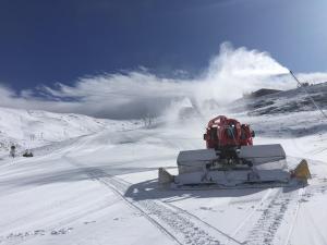 Cetursa trabaja ya en el acondicionamiento del área esquiable.