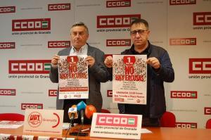 Los líderes provinciales de CCOO y UGT exhiben la convocatoria del Primero de Mayo.