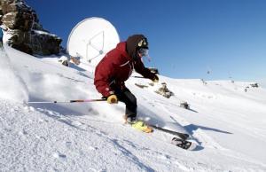 Mucha nieve en la zona del Radiotelescopio.