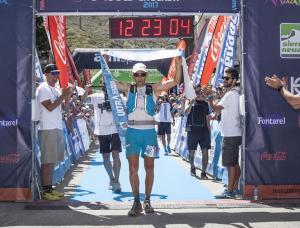 Entrada a meta del ganador, Miguel Ángel Heras.