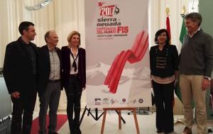 Representantes de la FIS junto a directivos de Cetursa.