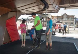 El Telesilla Veleta permite acceder a toda la familia a las altas cumbres.