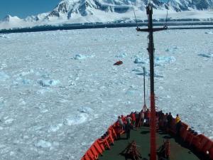El experimento TOMO-DEC realizó estudios sobre la geofísica de la Antártida.