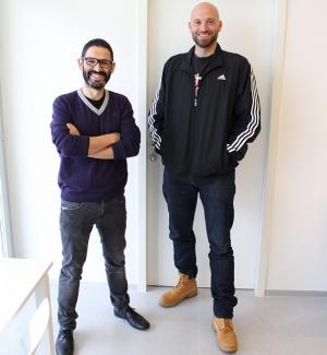 Los investigadores de la UGR José César Perales y Juan Francisco Navas.