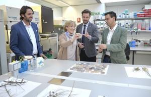 Visita del alcalde a la Fundación Medina.