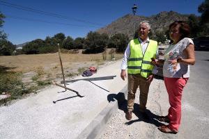 El diputado de Obras con la alcaldesa del municipio.
