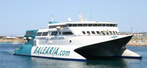 El ferry que operará con Motril es el 'fast Pinar'.