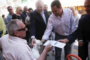 Moreno, durante su visita a Maracena.
