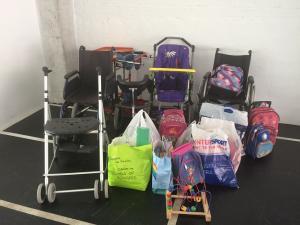 Material recopilado para refugiados discapacitados de Grecia.