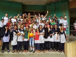 Juande Jerónimo y los voluntarios granadinos llegaron a Bombay para colaborar con la iniciativa Football is Life.