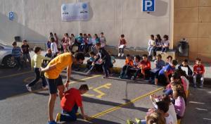 Los niños aprenden a hacer una ciudad inclusiva.