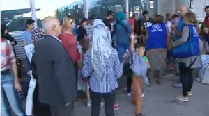 Llegada a Madrid este miércoles de 36 refugiados sirios procedentes de Grecia.