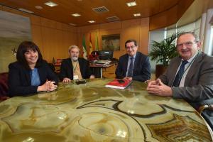 El presidente de la Diputación ha recibido a los responsables del Banco de Alimentos.