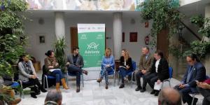 La candidatura de Adelante Andalucía, en un acto de campaña.
