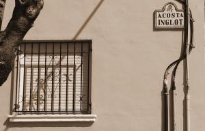 Calle de Granada dedicada a Acosta Inglot, alcalde franquista en 1941.