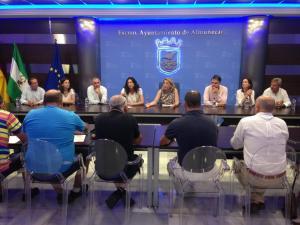 La reunión con los dirigentes y cargos del PP se celebró en el Ayuntamiento.