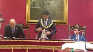 Cuenca tras ser investido alcalde de Granada.