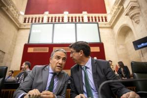 Elías Bendodo (PP) y Juan Marín (Cs).