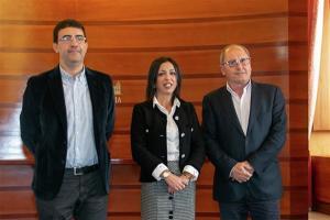 Marta Bosquet con Mario Jiménez y Juan Cornejo.