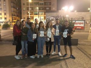 Miembros de las JSA de Granada capital, participantes de la campaña de concienciación.