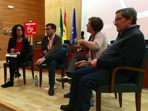 Cuenca, García y Entrena debaten durante la Conferencia Política moderados por la secretaria de Comunicación de la Ejecutiva Local.