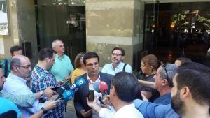 Cuenca a su llegada a la reunión con Ciudadanos.