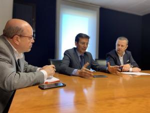 Cuenca, durante la reunión con empresarios del Círculo Tecnológico de Granada.